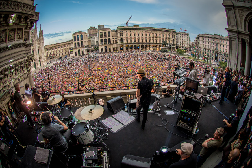 Subsonica-Live-with-Samsung-Galaxy-Tab S-duomo-2014_1